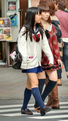 Japanese School Uniform Girl, Schoolgirl Style, High School Girls, Friend Photos, Japanese Girl, Sailor, Punk, Kawaii, Legs