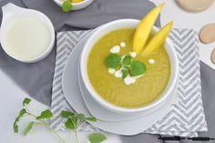 Mango Süppchen mit Brokkoli und Kokosmilch / Mango Soup with Broccoli and Coconut