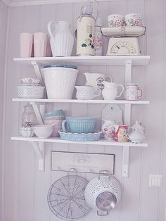 Lovely Pastel Accessories For A Vintage Kitchen