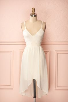 Verda Tendre - Thin strapped white dress flower embroidered dress