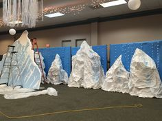 Boxes stacked to make mountains in Mount Everest vbs