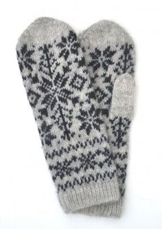 "- Mitten ""Winter"" - Gloves, mitts, wrist warmers and leg warmers - Woollen garments - Womens Clothing Knitted Mittens Pattern, Knitted Slippers, Crochet Gloves, Knit Mittens, Knitting Socks, Knitting Stitches, Hand Knitting, Knitting Patterns, Knit Crochet"