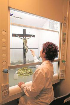 En el laboratorio de restauración del Museo Arqueológico Nacional - Cultura - abc.es