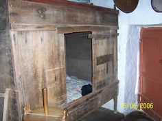Traditional crofter box bed