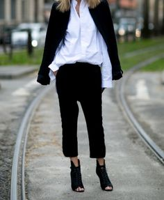 ONE MORE Stilsicher, Neue Modetrends, Styling Tipps, Ideen, Schwarz, Street  Style d7e64f7b2c