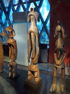 Sculptures Mumuye. Exposition Nigeria. Arts de la vallée de la Bénoué au musée du quai Branly (Paris)