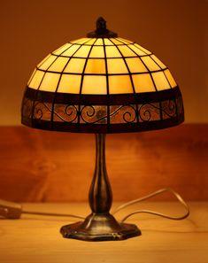 Tiffany Lamp Shade, Tiffany Chandelier, Tiffany Lamps, Tiffany Stained Glass, Stained Glass Lamps, Chandeliers, Stained Glass Patterns Free, Lamp Design, Design Design