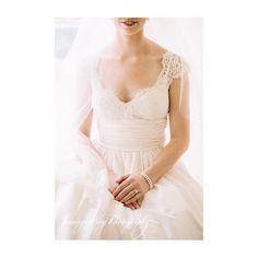 Soft details   #jenningskingbride #bridalportraits #gettingtheshot #details #charlestonbride