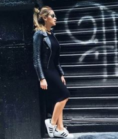 Ideas how to wear adidas superstar black street styles Source by superstar outfit Adidas Superstars Black, Adidas Superstar Look, Adidas Superstar Schwarz, Adidas Superstar Outfit Summer, Sneakers Outfit Summer, Sneaker Outfits, Adidas Dress, Adidas Outfit, Feminine Fashion
