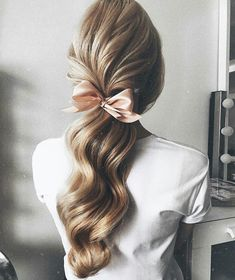 beautiful waves loose ponytail