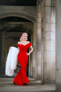 Red Alert! Chicago Chic Blog stuns in our Fatale Red Fishtail Gown #fashion #style #elegant #chic #classic #sophisticated #retro #vintage #fblogger #pinup #theprettydress #theprettydresscompany