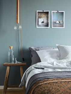 Scandinavian Bedroom Design Scandinavian style is one of the most popular styles of interior design. Although it will work in any room, especially well . Bedroom Green, Bedroom Colors, Bedroom Decor, Calm Bedroom, Bedroom Alcove, Bedroom Ideas, Bedroom Lighting, Bedroom Designs, Blue Bedrooms