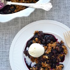 Blueberry Crisp | Taste Love & Nourish Keep this vegan by replacing the 3 T. of butter with  an equal amount of coconut oil.