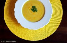 Maissi-kookoskeitto   Vegaanihaaste Thai Red Curry, Cantaloupe, Fruit, Ethnic Recipes, Food, Essen, Meals, Yemek, Eten