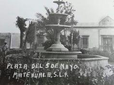 """FUENTE DE """"LAS TAZAS"""" HECHA EN MONTERREY EN 1864 Y ESTABA DONDE ESTÁ EL KIOSCO DE LA PLAZA DE ARMAS, LUEGO LA CAMBIARON AL SUROESTE DE SU ORIGINAL LUGAR..AL FONDO LA PRESIDENCIA MUNICIPAL.."""