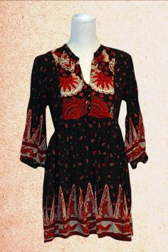 Lovely Bohemian Dress, Empire style, V neck with gold buttons with three-quarter sleeves