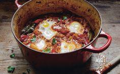 Shakshouka: Posjerte egg i spicy paprikasaus Egg And I, Frisk, Egg Recipes, Couscous, Spicy, Eggs, Ethnic Recipes, Food, Life