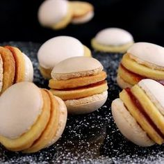 Gizi-receptjei: Non plus ultra. Hungarian Desserts, Hungarian Recipes, Hungarian Food, Non Plus Ultra, Trifle, Doughnut, Deserts, Food And Drink, Bread
