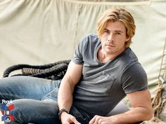 Chris Hemsworth is People Magazine's Sexiest Man Alive for 2014.