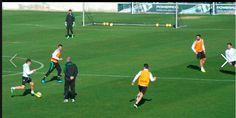 Sesión de entrenamiento en la Ciudad Deportiva Soccer, Training Workouts, City, Sports, Futbol, European Football, European Soccer, Football, Soccer Ball