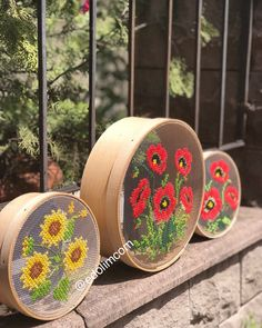 Embroidery Hoop Crafts, Crewel Embroidery, Cross Stitch Embroidery, Hobbies And Crafts, Diy And Crafts, Arts And Crafts, Cross Stitch Designs, Cross Stitch Patterns, Thread Art