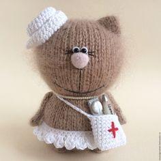 Купить Киска Медсестра. - бежевый, киска, коты и кошки, вязаная игрушка, вязаные коты
