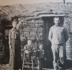Late Sod House - dotted the prairies. I'm pretty sure the Ingalls family lived in one of these at some point. Us History, American History, Old Pictures, Old Photos, Vintage Photographs, Vintage Photos, Early American, Native American, Homestead Act
