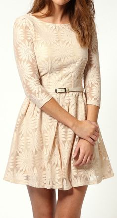 Daisy lace dress