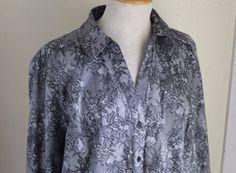 Lane-Bryant-Rich-24-2X-Romantic-Floral-Lace-Print-Gray-Art-to-Wear-Shirt-Top