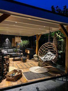 Outdoor Garden Rooms, Terrace Garden, Garden Spaces, Backyard Patio Designs, Pergola Patio, Backyard Landscaping, Ideas Terraza, House Arch Design, Contemporary Garden Rooms