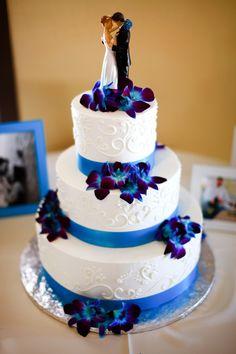Bling Wedding Cakes, Wedding Cakes With Cupcakes, White Wedding Cakes, Wedding Cakes With Flowers, Elegant Wedding Cakes, Beautiful Wedding Cakes, Wedding Cake Designs, Wedding Cake Toppers, Cupcake Cakes