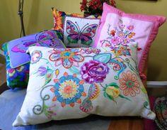 almofadas bordadas à mão