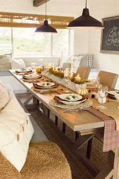 Thanksgiving table-s