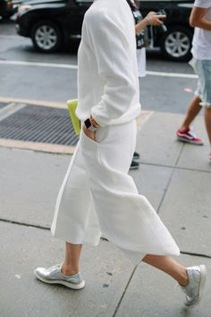 All white StreetStyle Outfit