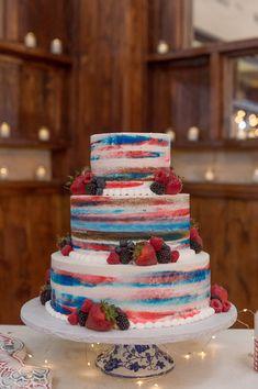 Red, White & Something Blue at Oaks at Heavenly *Styled Shoot* Fourth Of July Cakes, 4th Of July Desserts, 4th Of July Party, Red Cake, Blue Cakes, July 4th Wedding, Memorial Day Foods, Wedding Cake Red, Happy Birthday America