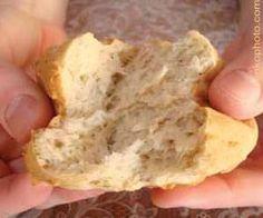 Gluten-Free Crusty Bread Recipe - http://www.livingwithout.com/recipes/gluten-free-crusty-dinner-rolls-3465-1.html #glutenfree #glutenfreerecipes