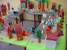 Maquette straat School Info, I School, Primary School, Dna Project, Community Workers, Kindergarten Art, Reggio Emilia, Diy Projects To Try, Kids Playing