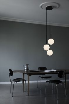 Shop the Miira 3 Large and more contemporary lighting designs by Nuura at Haute Living. Glass Pendant Light, Glass Chandelier, Pendant Lighting, Minimalist Home, Minimalist Design, Minimalist Interior, Hygge, Luminaire Original, Suspension Cable