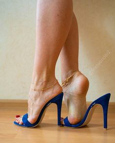 Image may contain: shoes Sexy Legs And Heels, Hot Heels, Sexy High Heels, Beautiful High Heels, Gorgeous Feet, Talons Sexy, Open Toe High Heels, Sexy Toes, Spike Heels