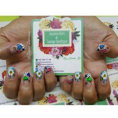 Conócenos, síguenos, compártenos... f/ Sunshine Nails & Lounge Boutique @Diana Leemoon #Uñas #UñasAcrílicas #Nails #Cartoons #NailArt #DianaLeemoon