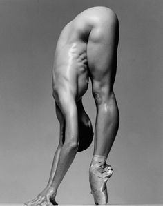 """""""I want to look through the view-finder of the camera and fall in love: I want to look through my view-finder and see an image I've never seen before anywhere else!."""" Howard Schatz"""