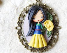 Items similar to polymer clay necklace & steampunk Alice & disney & princess & clay on Etsy Polymer Clay Disney, Polymer Clay Dolls, Polymer Clay Miniatures, Polymer Clay Necklace, Polymer Clay Charms, Polymer Clay Projects, Clay Crafts, Disney Princess Doll Collection, Ideas Joyería