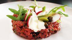 Italiaanse rundstartaar met geroosterde ciabatta (bekijk video) - Vtm koken - De keuken van Sofie !
