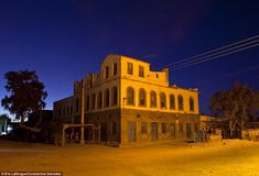 Empire: The Ottoman Empire conquered Somaliland in the 1500s and remained until the British took control. Buildings such as this, in Berbera, remain  ▼2Apr2014MailOnline Sun, sea, sand and some VERY scary locals! On the tourist trail in war-torn Somalia's breakaway Somaliland region http://dailym.ai/1opgyQD #Somaliland #Soomaaliland
