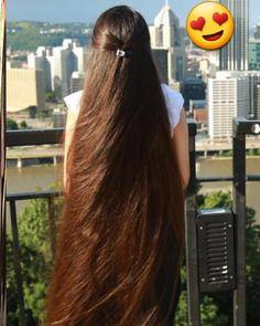 World's most beautiful long hair styles centre clip long hair styles my favourite 😍😘😍 Really Long Hair, Super Long Hair, Beautiful Long Hair, Gorgeous Hair, Hair Ponytail Styles, Long Hair Styles, Long Indian Hair, Peinados Pin Up, Rapunzel Hair
