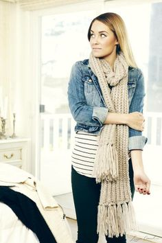 Jean jacket with stripes and jeggings.