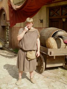 """Jamie Baughan as Caudex on street of """"Ostia"""". Mystery Tv Series, British Clothing, Roman Clothes, Pompeii, Ancient Rome, Character Design Inspiration, Middle Ages, Fantasy Characters, Britain"""