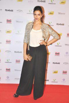 Dipika padukone Finding Fanny, Dipika Padukone, Green Carpet, Indian Film Actress, Indian Celebrities, India Fashion, Beautiful One, Bollywood, Actresses