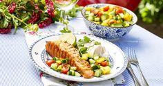 Grillad limelax med mangosalsa | Allas Recept Cobb Salad, Fish, Curry, Recipes, Inspiration, Biblical Inspiration, Curries, Pisces, Recipies
