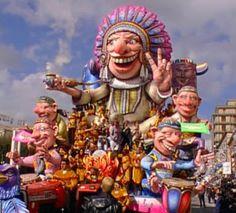 I colori e l'originalità del Carnevale di Putignano
